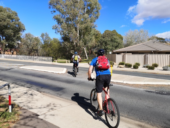 Street crossing, Aranda bike path, Aranda, Canberra