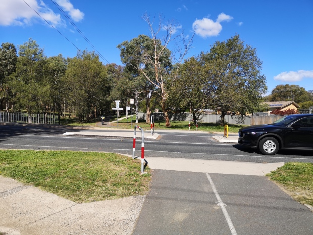 Street crossing, CBR Cycle Route C5, Aranda bike path, Aranda, Canberra