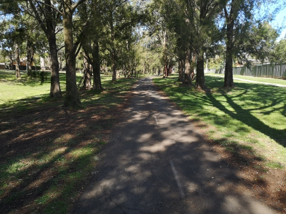 Aranda bike path, Belconnen, Canberra