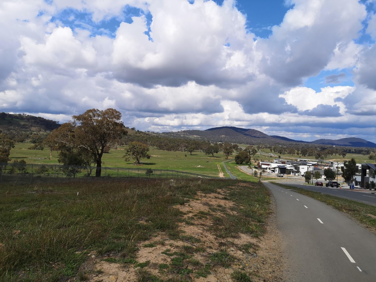 cycleway, Throsby, ACT, Australia