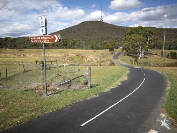 CBR Cycle Route C5, Aranda Nature Reserve, Aranda hill, Canberra.