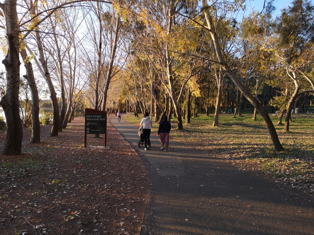 Lake Ginninderra bike path, Belconnen, Canberra