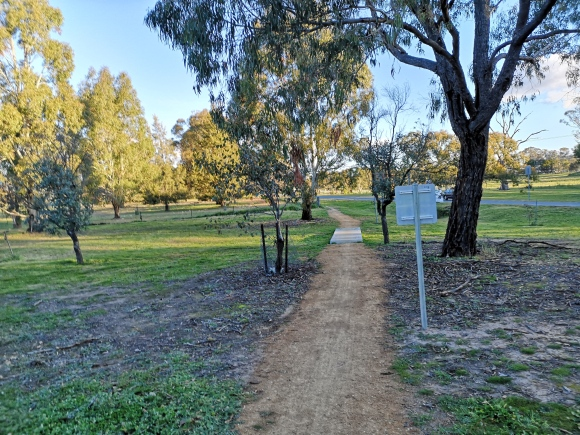 Canberra Centenary Trail, Victoria Street, Hall, Canberra