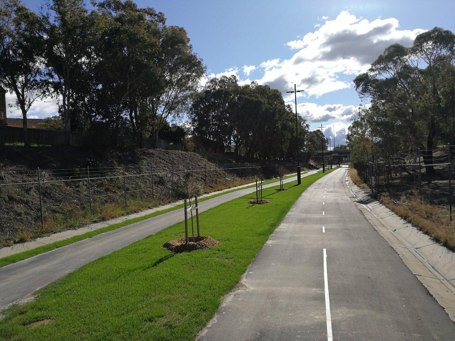 Main Community Route (MCR), Belconnen Bikeway, Belconnen, Canberra
