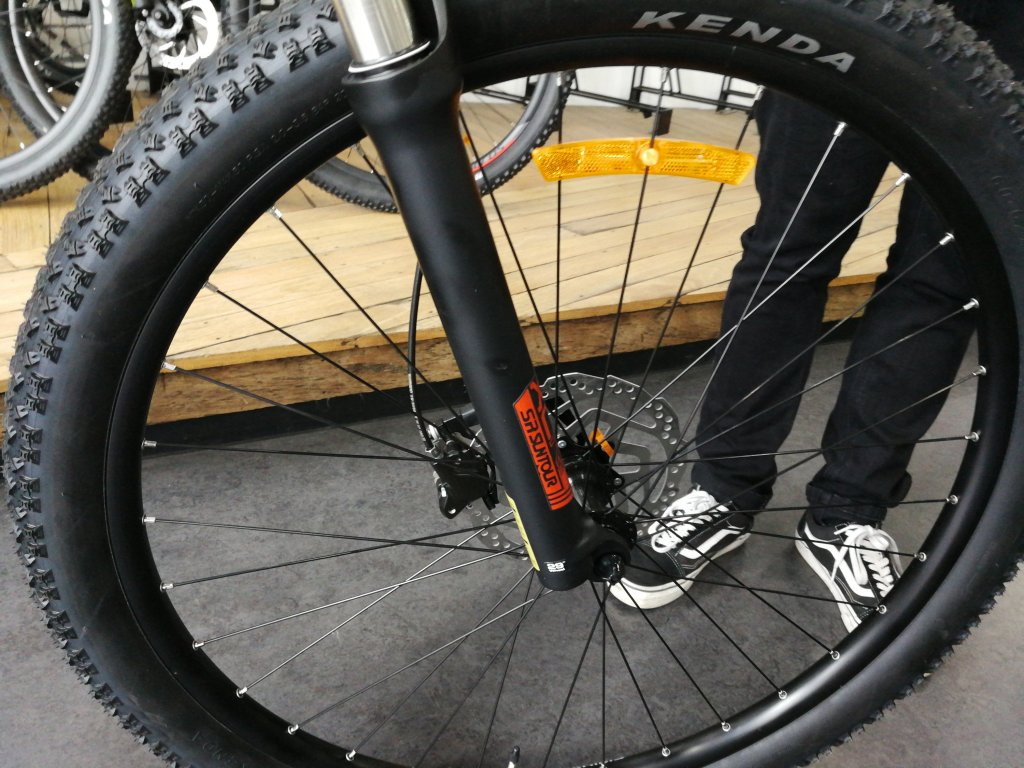 Bosch, FSA, Suntour and Shimano parts. Avanti hardtail, electric mountain bike, Onya Bike, Canberra. 2020 models with the Bosch Performance motor and electronics. Starting price for hardtail, electric mountain bike around $3,300 and for dual suspension around $5,500. There are many manufactures and models.