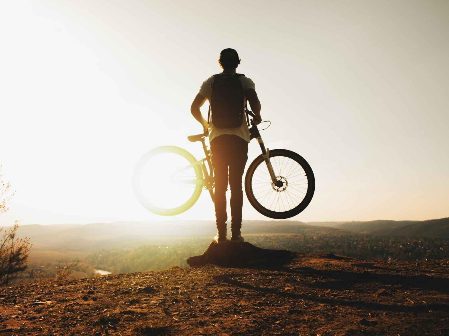 Mountain bike cyclist. Photo by Daniel Frank on Pexels.com