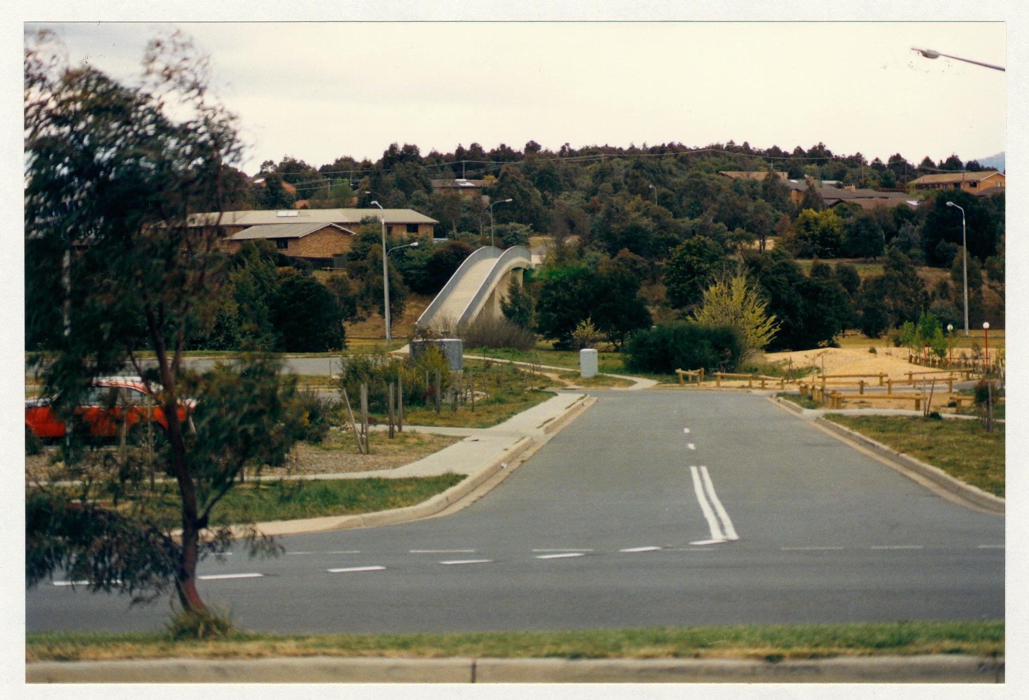 Erindale Drive overpass adjacent to Erindale Centre. c1989