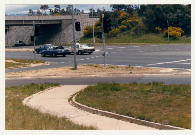 Hindmarsh DriveTuggeranong Parkway intersection. Pathway leading to nowhere!! c1989