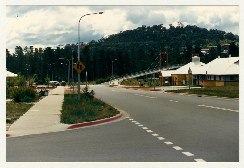 Isabella Drive overpass at Chisholm shops. c1989